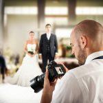 婚攝跟拍10hr「不准吃喝」! 他怒刪光照片…上網發問眾人反應一面倒